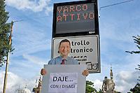 Roma 17 Ottobre 2014<br /> Flash mob e proteste  a piazza del Popolo organizzata dai motociclisti contro la pedonalizzazione del Tridente, vietato ai scooter  che da luned&igrave; 20, quando entrer&agrave; in vigore, la nuova disciplina del traffico nella Ztl A1 vieta l'accesso  anche alle due ruote a motore. La manifestazione &egrave; stata organizzata dal Nuovo Centrodestra.<br /> Rome October 17, 2014 <br /> Flash mob protests and Piazza del Popolo organized by motorcyclists against the pedestrianization of the Trident, banned to the scooters from Monday 20, when it enters into force, the new discipline of traffic in Ztl A1 prohibits access to the two-wheeler. The event was organized by the center-right New.