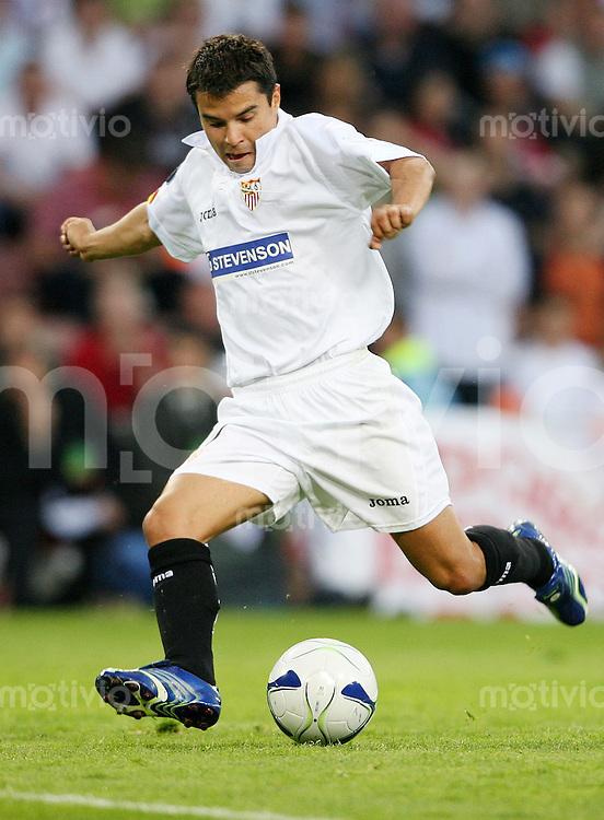 Fussball International  UEFA-Cup   Saison 2005/2006 Javier SAVIOLA (FC Sevilla), Einzelaktion am Ball