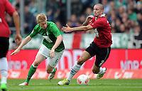 FUSSBALL   1. BUNDESLIGA   SAISON 2012/2013   3. SPIELTAG Hannover 96 - SV Werder Bremen     15.09.2012 Kevin De Bruyne (li, SV Werder Bremen) gegen Leon Andreasen (re, Hannover 96)