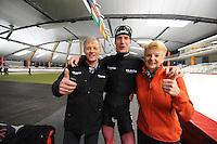 SPEED SKATING: INZELL: 08-12-2015, Max Aicher Arena, werelduurrecord Erik Jan Kooiman, trotse ouders Jan en Ineke, ©foto Martin de Jong