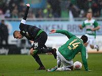 Fussball 1. Bundesliga :  Saison   2012/2013   9. Spieltag  27.10.2012 SpVgg Greuther Fuerth - SV Werder Bremen Aaron Hunt (li, SV Werder Bremen)   gegen Edgar Prib (Greuther Fuerth)