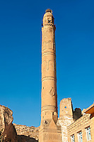El Rizk Mosque – The Mosque was built in 1409 by the Ayyubid sultan Süleyman and stands on the bank of the Tigris River. It has Kufic incriptions & decorations. Hasankeyf, Turkey 2