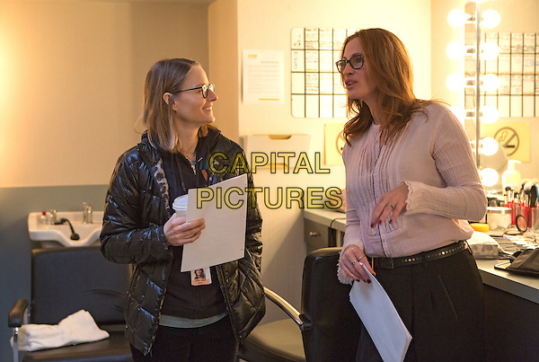 Money Monster (2016) <br /> Julia Roberts and Director Jodie Foster (left) on the set of <br /> *Filmstill - Editorial Use Only*<br /> CAP/KFS<br /> Image supplied by Capital Pictures