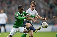 FUSSBALL   1. BUNDESLIGA   SAISON 2013/2014   9. SPIELTAG SV Werder Bremen - SC Freiburg                           19.10.2013 Eljero Elia (li, SV Werder Bremen) gegen Felix Kraus (re, SC Freiburg)