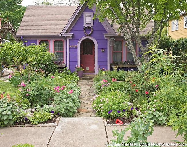 Lucinda Hutson Art Garden Austin Tx Mann