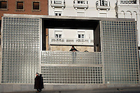 """Remodeling of Paseo del Óvalo, la Escalinta and the place ; Urban lifts to better connect the residential and industrial area of Teruel with its historical center ; 2005 ; David Chipperfield (London, 1953) ; work included to the exhibition """"On-site, new architecture in Spain"""" at the Museum of Modern Art (New York, Feb - May 2006), Teruel, Aragon, Spain Picture by Manuel Cohen"""