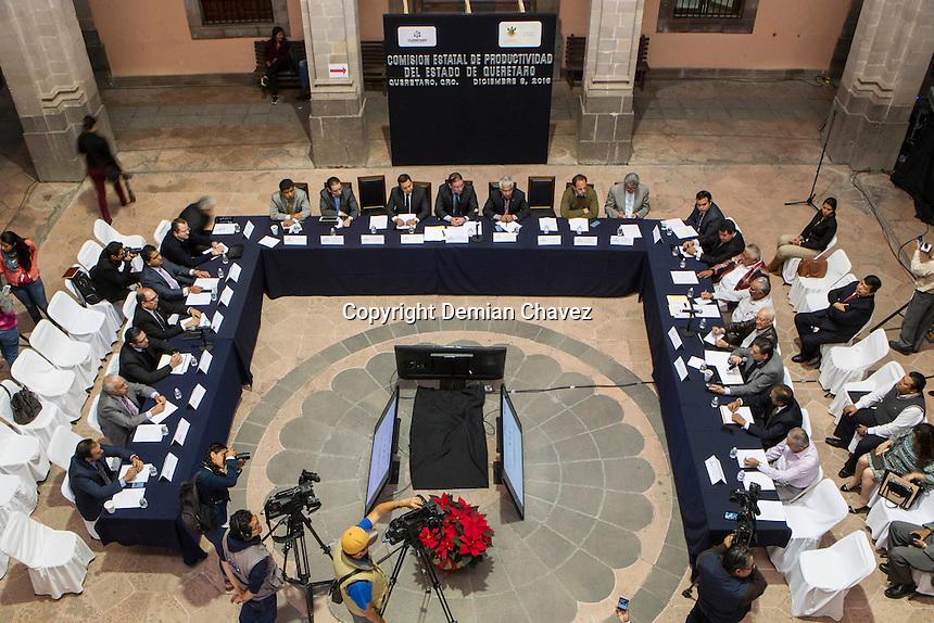 Querétaro, Qro. 8 de diciembre de 2016.- Esta mañana dió inicio la sesión de la Comisión Estatal de Productividad, que agrupa a empresas y sindicalistas del estado.