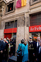 Roma 4 Giugno 2015<br /> Il presidente della Repubblica del Cile Michelle Bachelet  in visita ufficiale a Roma.<br /> La prima tappa  della visita in via di Torre Argentina, all'altezza del civico 21, dove la signora Bachelet e il sindaco di Roma Ignazio Marino, e il presidente emerito Giorgio Napolitano, hanno inaugurato una targa per ricordare l'organizzazione Chile Democratico, che dal 1973 al 1988 ebbe li' la sua sede, nel periodo della dittatura del generale Pinochet in Cile.<br /> Rome June 4, 2015<br /> The President of Chile Michelle Bachelet on an official visit to Rome.<br /> The first stage of the visit in Via di Torre Argentina, at number 21, where Ms. Bachelet and Mayor of Rome Ignazio Marino, with the former president Giorgio Napolitano, inaugurated a plaque to commemorate the organization Chile Democratico, which 1973-1988 had them 'his seat, during the dictatorship of General Pinochet in Chile.