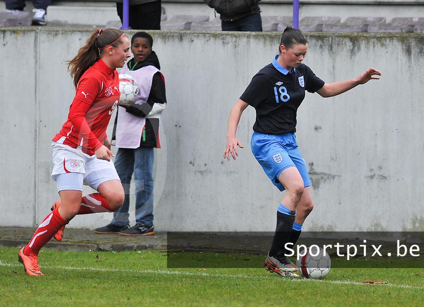 UEFA Women's Under 17 Championship - Second Qualifying round - group 1 : England - Switzerland : .Natasha Jane Flint aan de bal voor Noelle Maritz.foto DAVID CATRY / Vrouwenteam.be