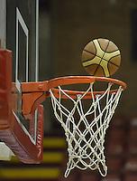 Cesta de baloncesto y Balón, aro / Basket and Ballon, ring. Photo: VizzorImage/ Gabriel Aponte / Staff