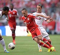 Fussball  1. Bundesliga  Saison 2013/2014  3. Spieltag FC Bayern Muenchen - 1. FC Nuernberg       24.08.2013 Franck Ribery (vorn, FC Bayern Muenchen) gegen Markus Feulner (1. FC Nuernberg)