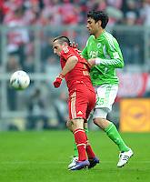 FUSSBALL   1. BUNDESLIGA  SAISON 2011/2012   19. Spieltag FC Bayern Muenchen - VfL Wolfsburg      28.01.2012 Franck Ribery (li, FC Bayern Muenchen) gegen Chris (VfL Wolfsburg)
