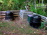 Garden/kitchen materials composter recycling unit