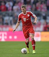 Fussball  1. Bundesliga  Saison 2013/2014  9. Spieltag FC Bayern Muenchen - 1. FSV Mainz     19.10.2013 Bastian Schweinsteiger (FC Bayern Muenchen) am Ball