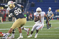 Annapolis, MD - October 8, 2016: Houston Cougars quarterback Greg Ward Jr. (1) runs in for a touchdown during game between Houston and Navy at  Navy-Marine Corps Memorial Stadium in Annapolis, MD.   (Photo by Elliott Brown/Media Images International)