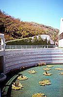 Moshe Safdie: Skirball Center. Reflecting Pool.