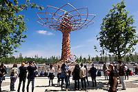 Milano 02  Maggio 2015 <br /> EXPO Milano 2015 Nutrire il pianeta -Energia per la vita<br /> Prima giorno di apertura al pubblico. L'albero della vita<br /> Milan 2 may 2015<br /> EXPO Milano 2015 Feeding the planet -Energy for life<br /> First day of opening to the public. The tree of life