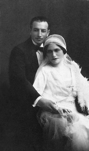 Los esposos Senén Fernández y Abigail Mejía, 10 de agosto de 1930. Fotografía de Barón Castillo. Colección Fernández-Nivar.