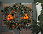"Colonial Williamsburg Christmas wreath Virginia, Christmas wreath, Colonial Williamsburg Virginia is historic district 1699 to 1780 which made colonial Virgnia's Capital, for most of the 18th century Williamsburg was the center of government education and culture in Colony of Virginia, George Washington, Thomas Jefferson, Patrick Henry, James Monroe, James Madison, George Wythe, Peyton Randolph, and others molded democracy in the Commonwealth of Virginia and the United States, Motto of Colonial Williamsburg is ""The furture may learn from the past,"""