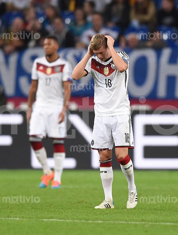 Fussball International EM 2016-Qualifikation  Gruppe D  in Gelsenkirchen 14.10.2014 Deutschland - Irland Toni Kroos (Deutschland) enttaeuscht nach dem Spiel.