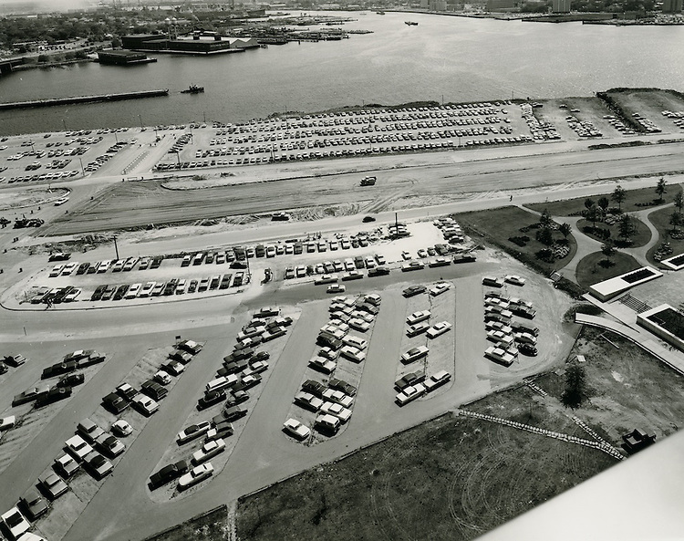 1971 May 11..Redevelopment.Downtown South (R-9)..Waterfront Drive under construction..Millard Arnold.NEG#.NRHA#..