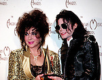 Michael Jackson 1993 American Music Awards with Elizabeth Taylor.© Chris Walter.