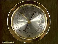 WG04-001c  Weather instrument - Aneroid barometer - measuring air pressure
