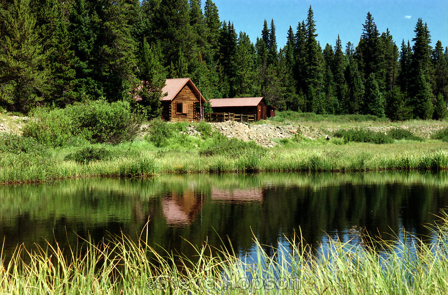 Ranger Cabin In The Rocky Mountains National Park In