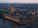 View og Big Ben and House of Pariament from the London Eye in London, UK, at sunset