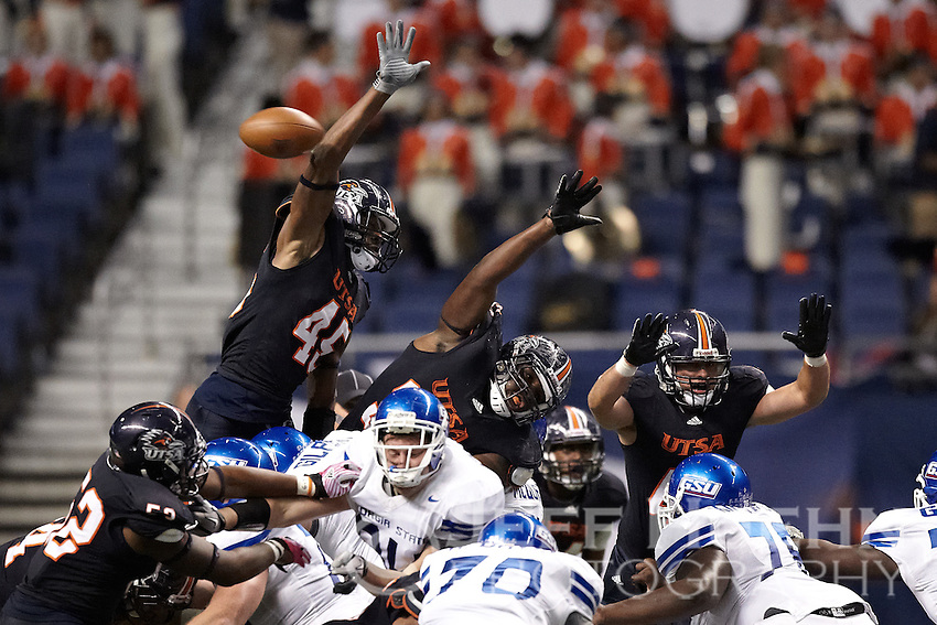 SAN ANTONIO, TX - OCTOBER 29, 2011: The Georgia State University Panthers vs. The University of Texas at San Antonio Roadrunners Football at the Alamodome. (Photo by Jeff Huehn)