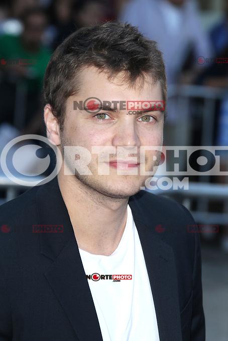 Emile Hirsch at the Premiere of Universal Pictures' 'Savages' at Westwood Village on June 25, 2012 in Los Angeles, California. &copy;&nbsp;mpi21/MediaPunch Inc. /*NORTEPHOTO.COM*<br /> **SOLO*VENTA*EN*MEXICO** **CREDITO*OBLIGATORIO** *No*Venta*A*Terceros* *No*Sale*So*third* *** No Se Permite Hacer Archivo** *No*Sale*So*third*&Acirc;&copy;Imagenes con derechos de autor,&Acirc;&copy;todos reservados. El uso de las imagenes est&Atilde;&iexcl; sujeta de pago a nortephoto.com El uso no autorizado de esta imagen en cualquier materia est&Atilde;&iexcl; sujeta a una pena de tasa de 2 veces a la normal. Para m&Atilde;&iexcl;s informaci&Atilde;&sup3;n: nortephoto@gmail.com* nortephoto.com.