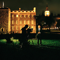 UK. London. From a story on Abingdon Street Gardens, a small patch of land, often referred to as College Green, that lies next to The Houses of Parliament in Westminster. It is a place where the media and the politicians come face to face. Interviews are held, photo shoots are set up and bewildered tourists stroll by..Photo shows Andrew Marr from the BBC informing the masses..Photo©Steve Forrest/Workers Photos