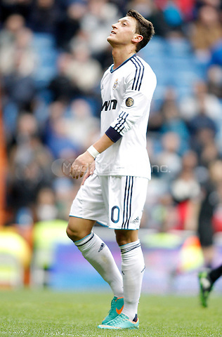 Real Madrid's Mesut Özil dejected during La Liga match. January 27, 2013. (ALTERPHOTOS/Alvaro Hernandez) NortePhoto /MediaPunch Inc. ***FOR USA ONLY***