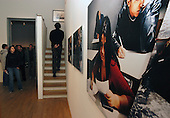 .Foam, fotografie museum amsterdam, justin jin, sophie, roderick, tentoonstelling, opening.Hakan, bezoekers Justin Jin's Tearsheet