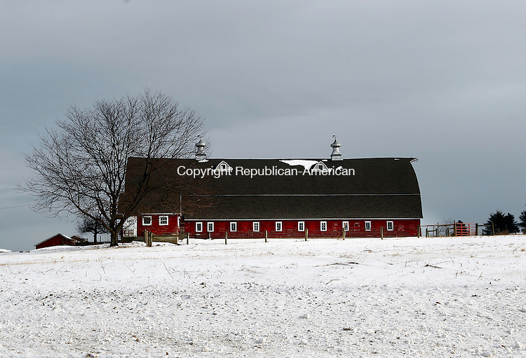 Morris, CT- 05 January 2014-010514CM01- COUNTRY LIFE ONLY--- Snow surrounds a barn at South Farms in Morris on Sunday.    Christopher Massa Republican-American