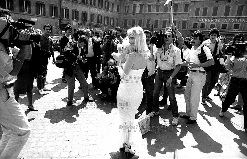 Ilona staller stefano montesi photojournalist for Ieri alla camera dei deputati