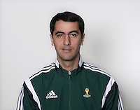 FUSSBALL Fototermin FIFA WM Schiedsrichter  09.04.2014 Ravshan IRMATOV (Usbekistan)