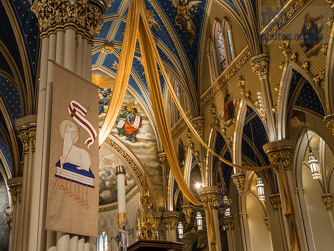 Apr. 7, 2015; Basilica of the Sacred Heart Interior. (Photo by Matt Cashore/University of Notre Dame)