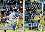 St Johnstone v Hearts&hellip;17.09.16.. McDiarmid Park  SPFL<br />Jack Hamilton and Perry Kitchen combine to block Graham Cummins<br />Picture by Graeme Hart.<br />Copyright Perthshire Picture Agency<br />Tel: 01738 623350  Mobile: 07990 594431