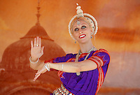 "Krsangi Davis, 31, performs a classical Indian Dance ""Vasanta"" at Venice Beach on Sunday, Aug 05, 2007 during the the 31th Annual  Festival of Chariots"