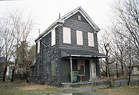 1996 February 10.Conservation.Lamberts Point...Acquisitions.Vacant house.Front exterior.1400 block West 25th Street...NEG#.NRHA#..CONSERV: Lambert2 6:13