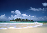 The San Blas Islands, a collection of more than 365 islands off the Caribbean coast of Panama. © Michael Brands. 970-379-1885.