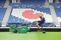 VOETBAL: HEERENVEEN: Abe Lenstra Stadion 18-08-2015, SC Heerenveen, Groundsman Henk Schreuder, ©foto Martin de Jong