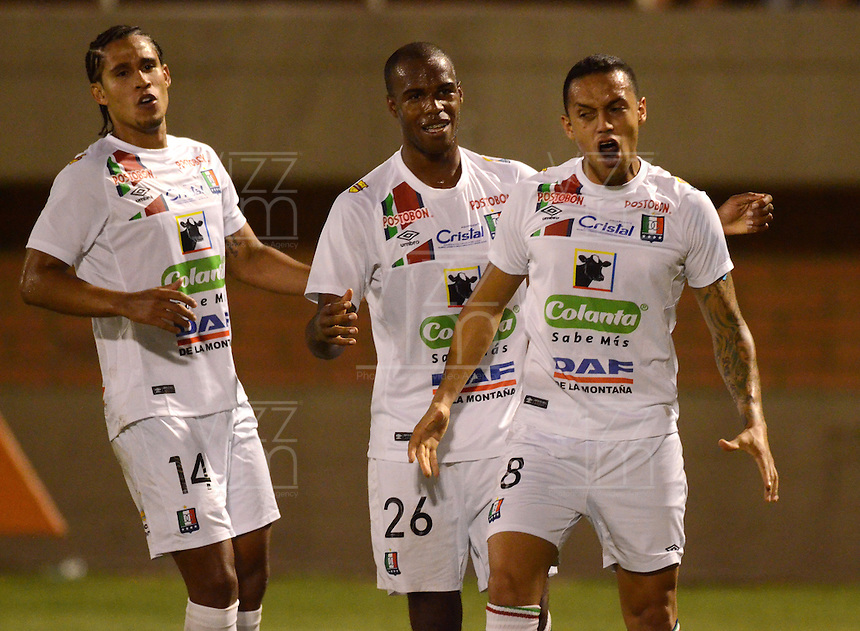 ENVIGADO- COLOMBIA -22-04-2016: Harrison Henao, jugador de Once Caldas, celebra el gol anotado al Envigado FC, durante partido Envigado FC y Once Caldas por la fecha 14 de la Liga Aguila I 2016, en el estadio Polideportivo Sur de la ciudad de Envigado.  / Harrison Henao, player of Once Caldas celebrates a scored goal to Envigado FC, during a match Envigado FC and Once Caldas for the date 14 of the Liga Aguila I 2016 at the Polideportivo Sur stadium in Envigado city. Photo: VizzorImage / Leon Monsalve / Cont.