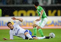 FUSSBALL   1. BUNDESLIGA   SAISON 2011/2012    5. SPIELTAG VfL Wolfsburg - FC Schalke 04                                  11.09.2011 Klaas-Jan HUNTELAAR (li, Schalke) gegen JOSUE (re, Wolfsburg)