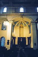 Nicholas Hawksmoor: St. George, Bloomsbury. Interior. Photo '90.