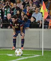 FUSSBALL   INTERNATIONAL   CHAMPIONS LEAGUE   2012/2013      FC Barcelona - Celtic FC Glasgow       23.10.2012 Lionel Messi (Barca) wartet auf die Freigabe des Eckball