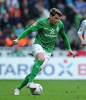 FUSSBALL   1. BUNDESLIGA   SAISON 2011/2012   34. SPIELTAG SV Werder Bremen - FC Schalke 04                       05.05.2012 Sebastian Boenisch (SV Werder Bremen)