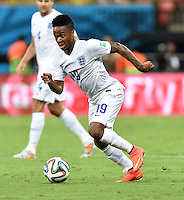 FUSSBALL WM 2014  VORRUNDE    Gruppe D     England - Italien                         14.06.2014 Raheem Sterling (England) am Ball