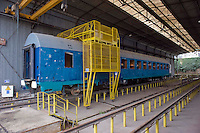 Roma 20 Febbraio 2012.I lavoratori della Rsi Italia SpA (Rail Service Italia, ex Wagons Lits), in Cassa Integrazione straordinaria da 6 mesi hanno occupato  la fabbrica di via Umberto Partini a Roma. Sono  59 operai (33 metalmeccanici, 26 dei trasporti), addetti alla manutenzione dei Treni Notte..Workers at the Rsi Italy SpA (Italy Rail Service, former Wagons Lits), extraordinary layoff from 6 months have occupied the factory in via Umberto Partini in Rome. We are 59 workers (33 metalworkers, 26 transport), Night Train maintenance workers. Rome, Italy 20th of February 2012